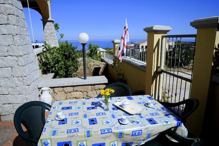 Appartamento con terrazzo vista mare WI-FI FREE