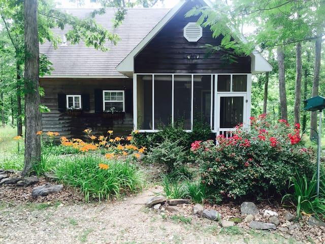 Merlyn's Cabin - Jasper