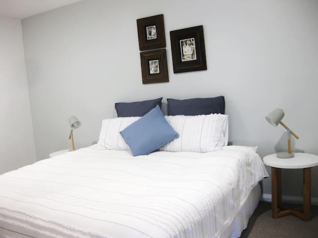 2nd Bedroom King Bed or 2 singles