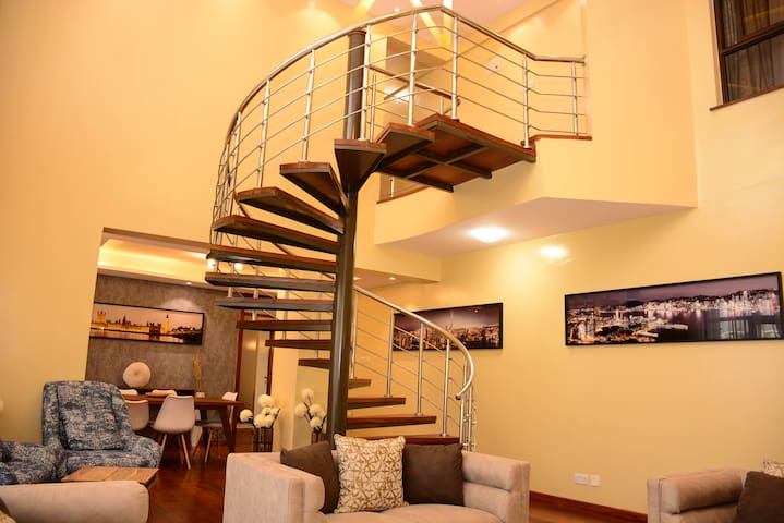 Nsungwi Deluxe-Westlands/cosy/penthouse/affordable