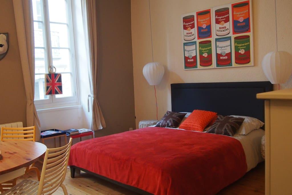 Appartement centre historique tout confort appartements for Appartement bordeaux louer