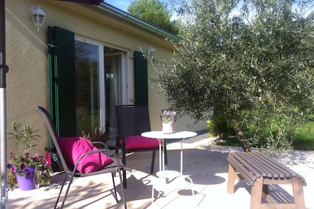 Charming Cottage with Private Pool - ポレッチ(Poreč) - キャビン