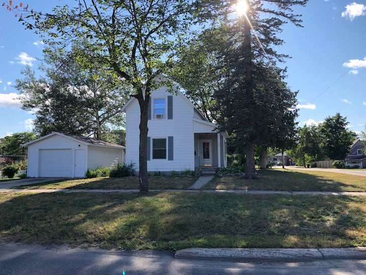 Cute and quaint home in downtown Boyne City