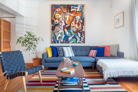 Colorful Apartment with a Sunny Terrace in Providencia
