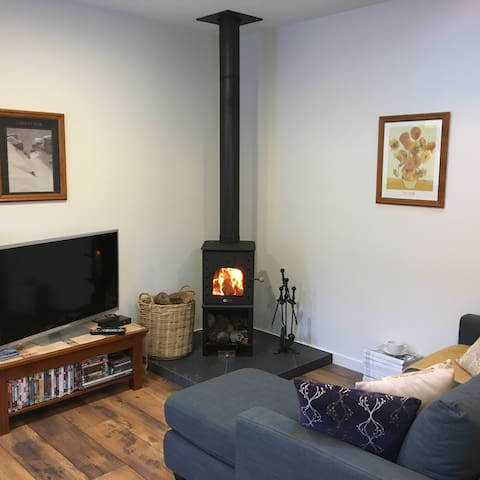Cosy lounge with Free to air TV & DVD