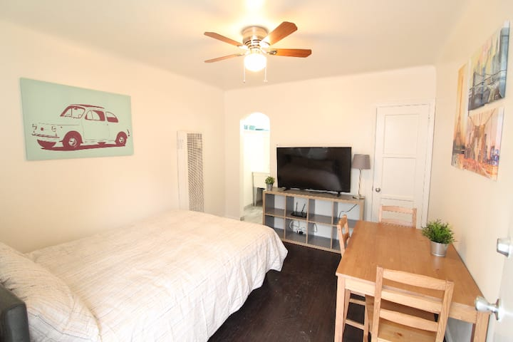 Comfy Newly Renovated Mid City Studio Apartment