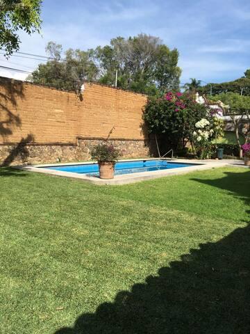 Hermosa residencia en el corazon de Cuernavaca - Cuernavaca - House