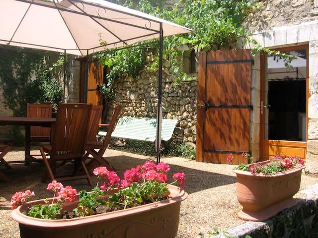 Belle grange périgourdine rénovée - Brantôme - Casa
