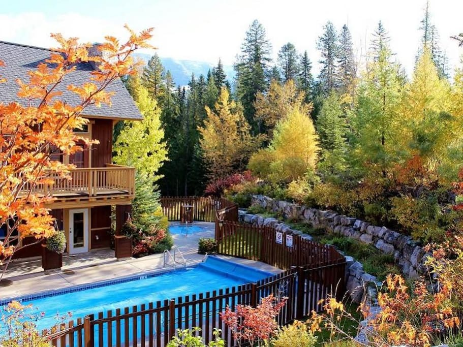 Timberline Lodges exterior 002