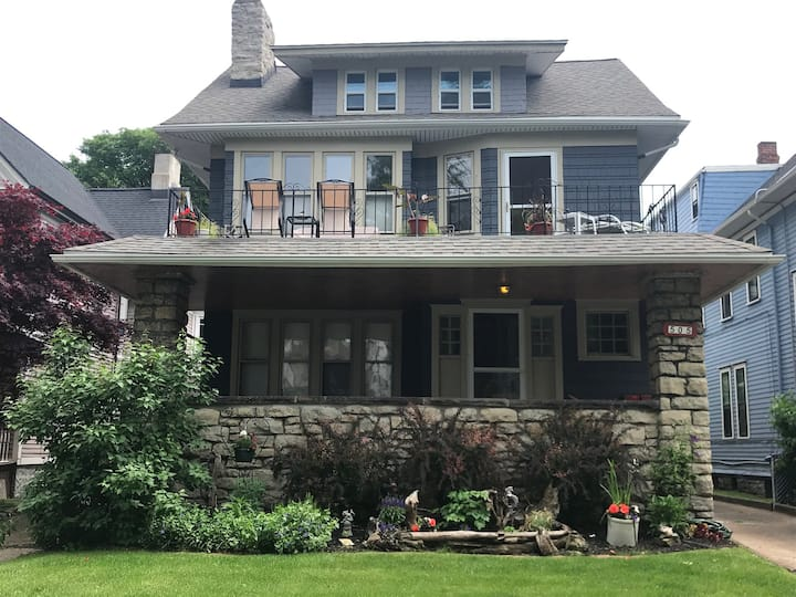 Private 2BR Apt Near Downtown & Medical Campus
