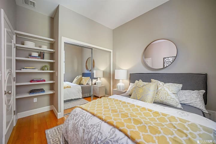 Mimosa House: Cute room in a central location