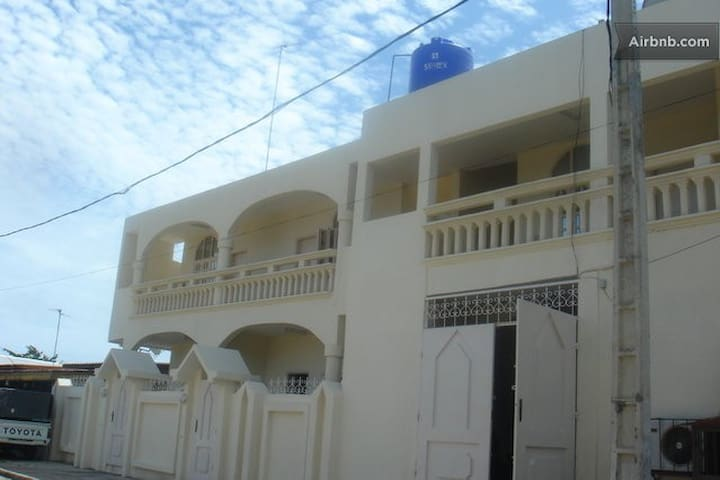 1 of 6 Apartments in guest house  - Cotonou - Lejlighed