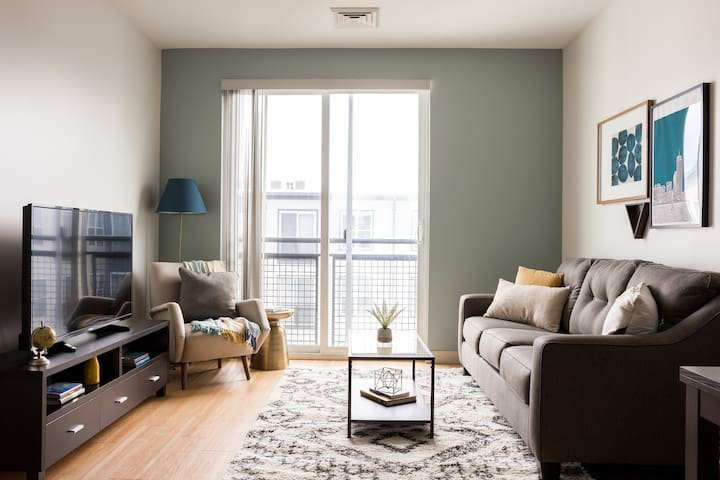Sonder | Seaport District | Modern 1BR + Laundry