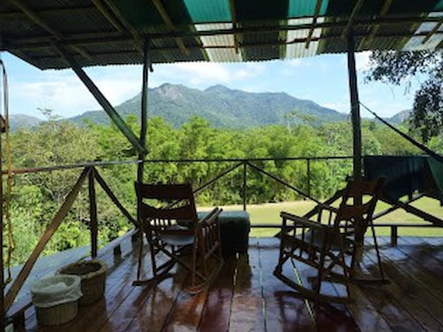 Mountain lodge with stunning views - Mastatal - Cabana