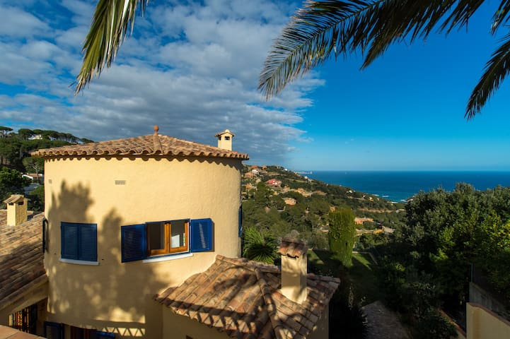 mediterranean villa with amazing sea views - Sa Riera - Villa