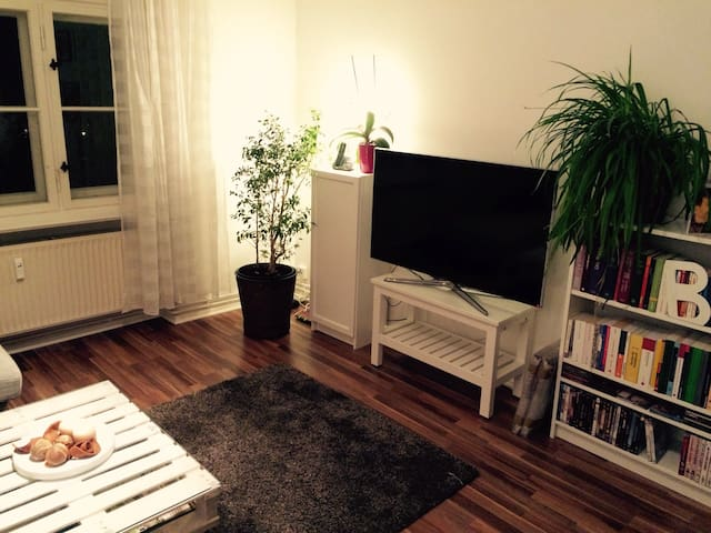 A LOVELY place to feel HOME - Berlin - Apartment