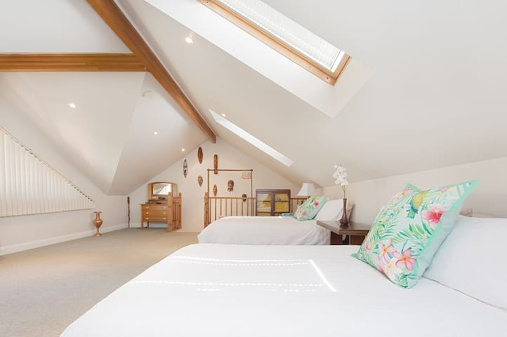 Overview of upstairs bedroom