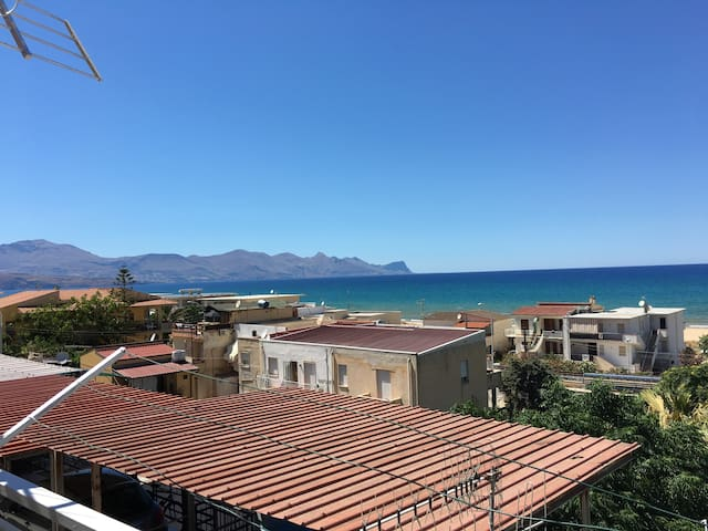 "Holiday Apartment ""Robinia 2"" (3mins from sea)"