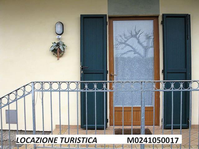 Gemütliche zwei-Zimmer-Wohnung mit Parkplatz Conca