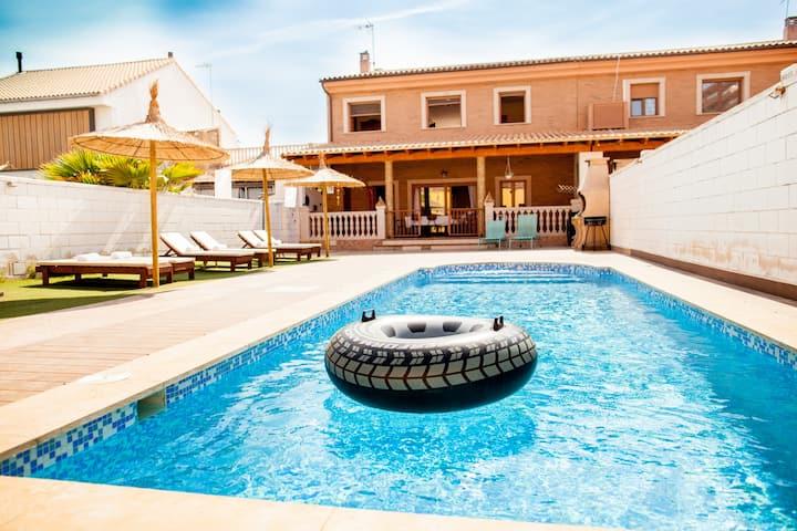 Casa en la playa de valencia con piscina propia