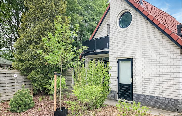 Holiday cottage with 2 bedrooms on 100m² in Delden