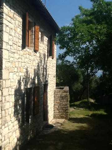 "The ""M"" House Stone villa  2-4 pers - Gaios"