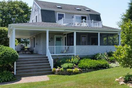 Beautifully Renovated Waterview Home