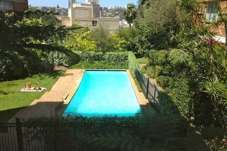 One bedroom Swimming Pool/Garden - Elizabeth Bay