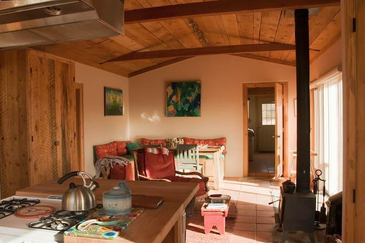 Off-the-Grid Private Retreat 4U - Los Cerrillos - Ev