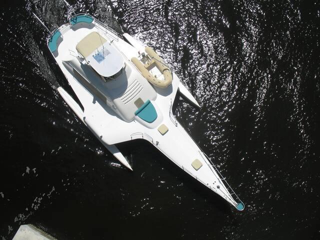Jonny Wasabi - Stuart - Boat