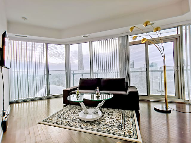 45+luxury step to CN tower 2bdr free gym&pool&park