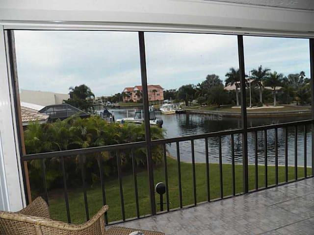 Million Dollar View!!!-Exclusive Punta Gorda Isles - Punta Gorda - Appartement en résidence