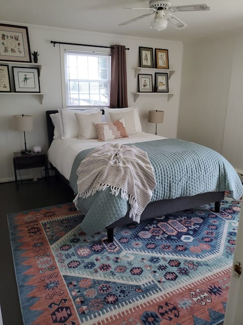 The Mountain View Nook: A Boutique Guest Suite