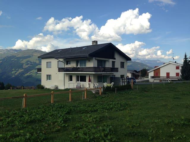 Haus Bergsunne - Obersaxen - Wohnung