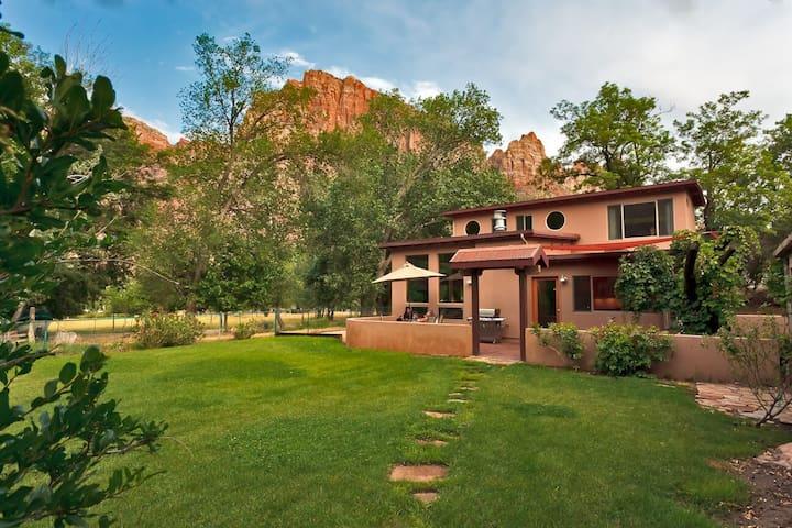 Flanigan's Inn -Villa II- Zion National Park