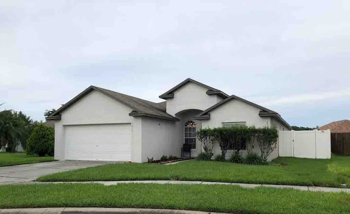 Entire House Great Location in Wesley Chapel/Tampa