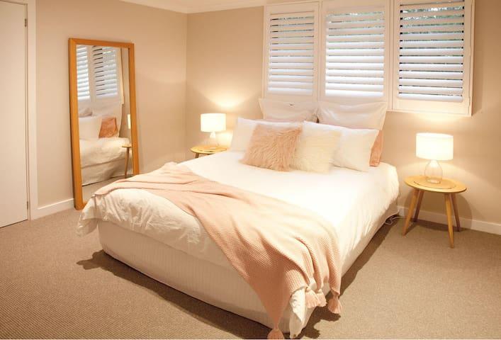 Bedroom 3 - Queen Bed - ground floor