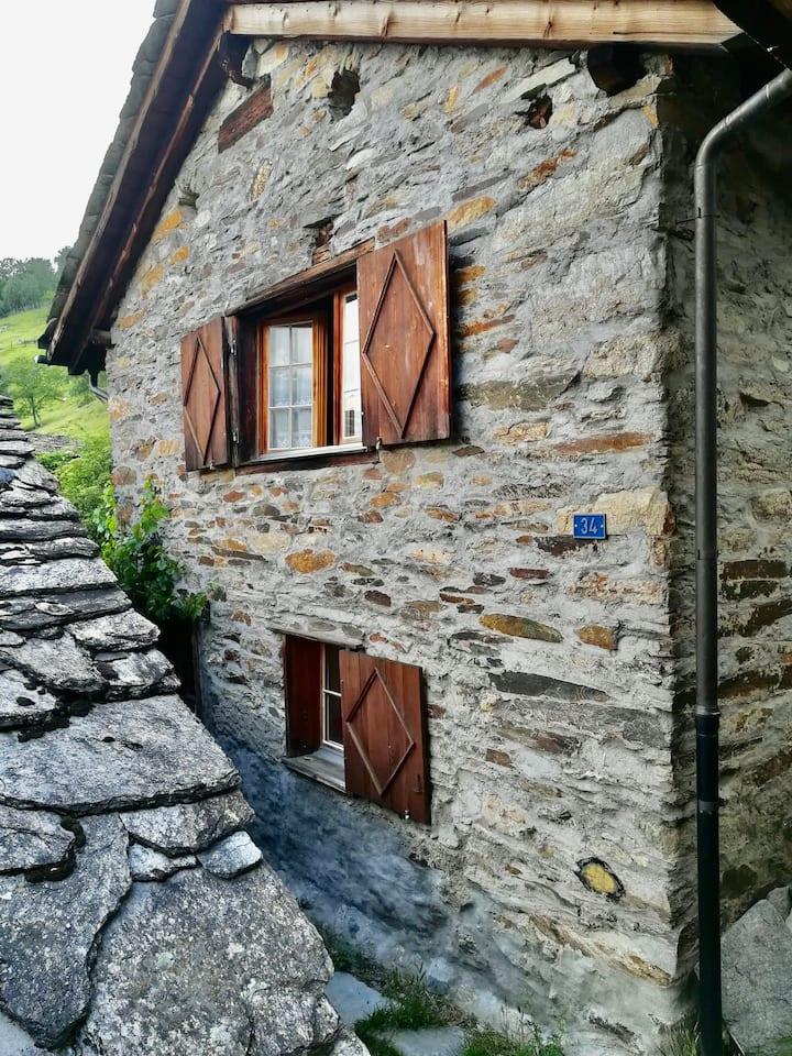 Kleines einfaches Haus direkt an der Südrampe