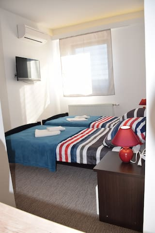Rooms London - 12 min to the center of Zagreb - Velika Gorica - อพาร์ทเมนท์