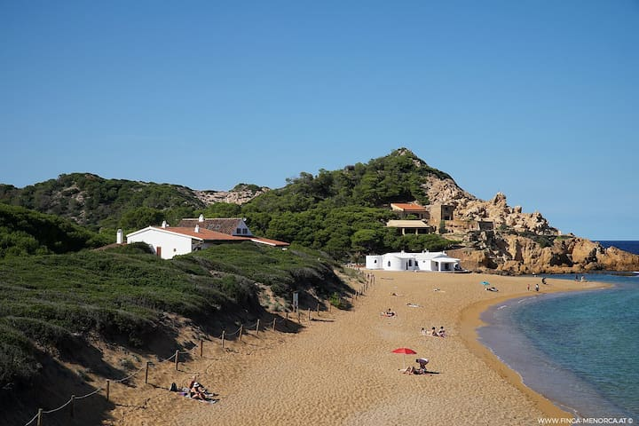 Finca Cala Pregonda - Ferienhaus direkt am Meer
