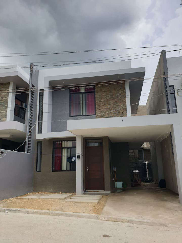 House&Lot for rental,4 bedrooms,2 toilet&bath