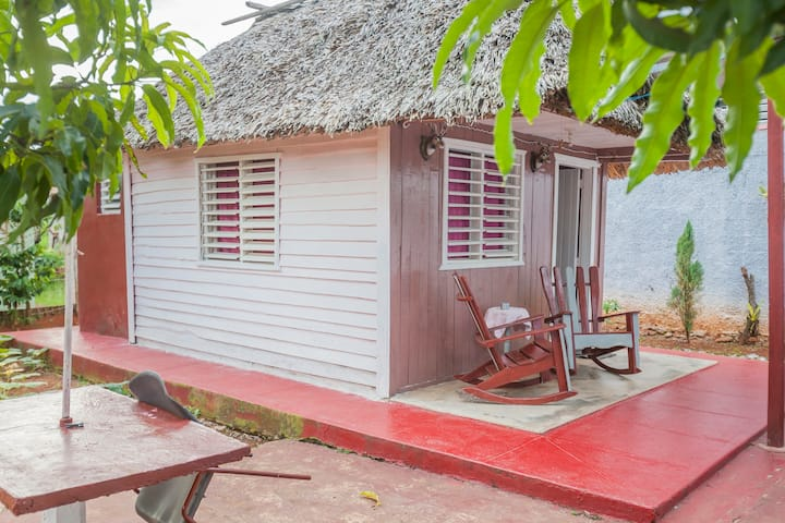 Cozy wooden cabin with  AC in Viñales