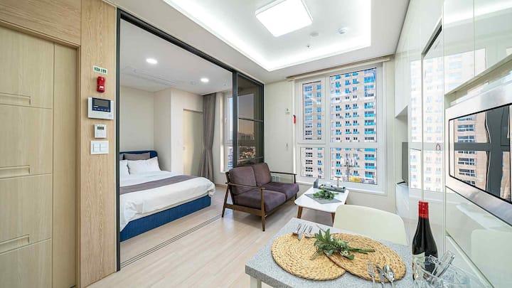 속초 모던한 레지던스 숙소의 Suite-S(4) 객실