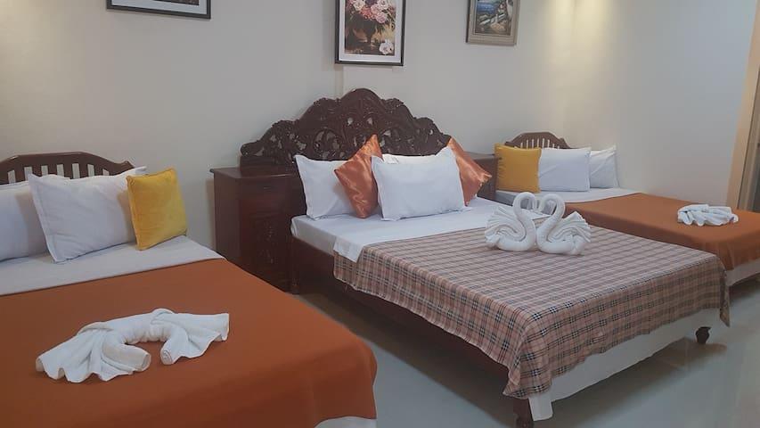 Neil Frank Hotel - 2nd Flr Family Room 8 (Mauban)