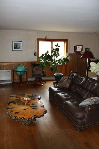 This is the sitting room. Microwave and refrigerator, not shown.