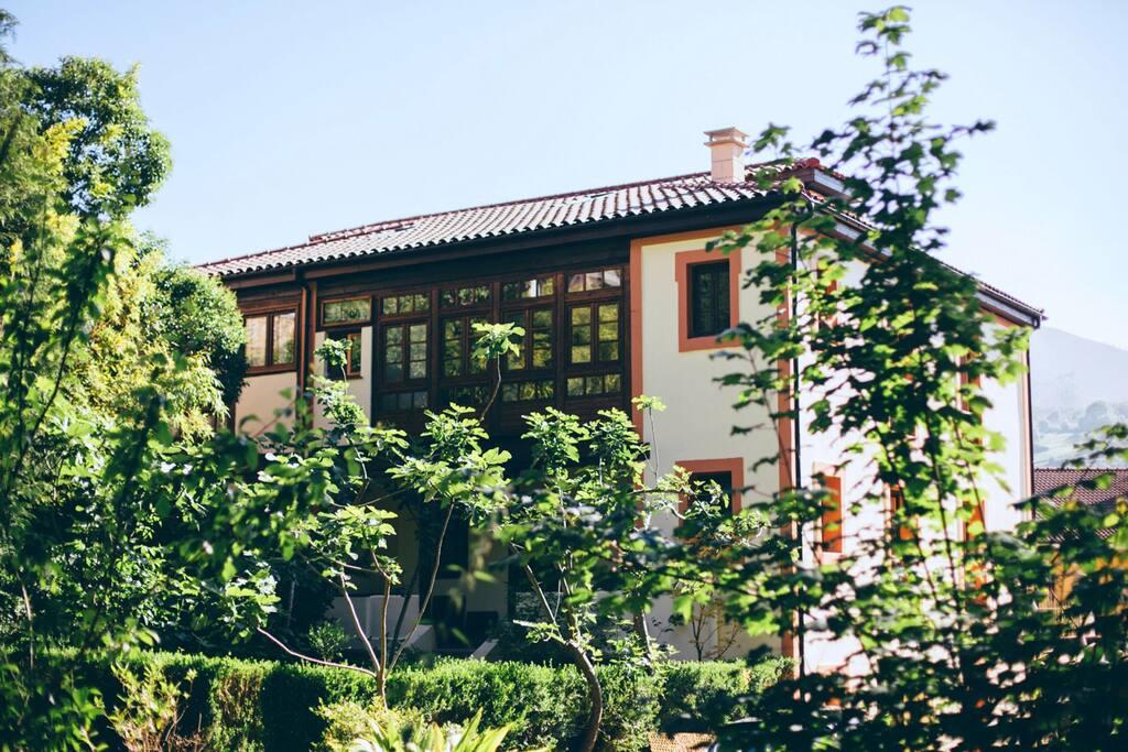 Vista Casona desde jardín