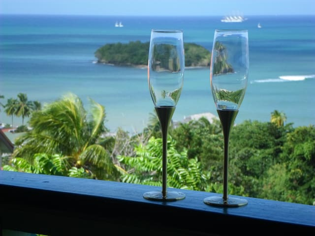 Amazing Beach View House Apt. 1 - Castries City - Apartment