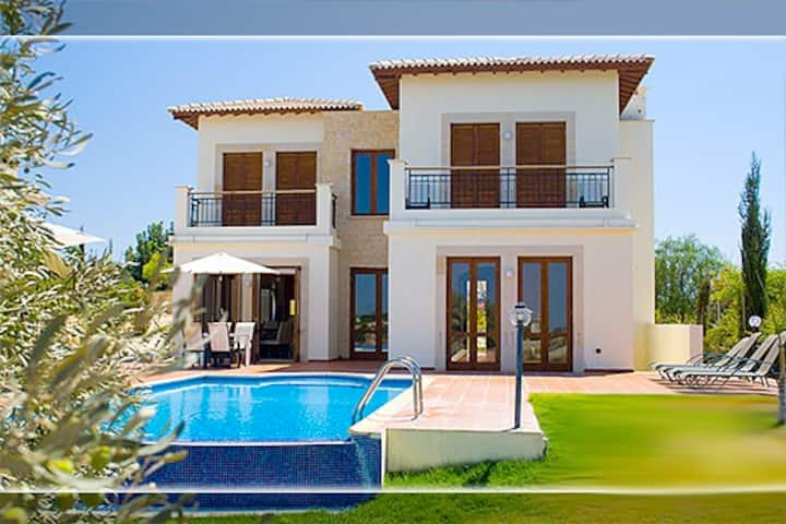Luxury 3bd Villa in Aphrodite Hills