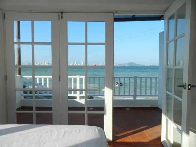 Oceanfront Balcony! An amazing way to wake up!