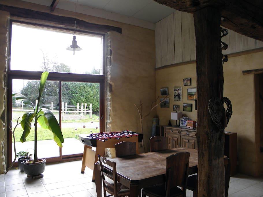 salle à manger-cuisine-terrasse sud